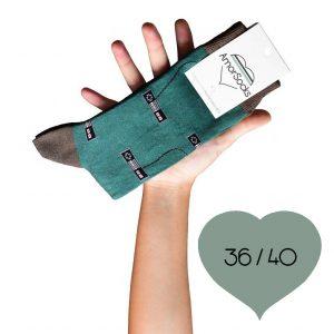 AmorSocks-calcetines-socks-mandos-nintendo-nes-verde-botella-marrón-chocolate-cuadrada-3640