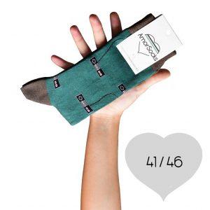 AmorSocks-calcetines-socks-mandos-nintendo-nes-verde-botella-marrón-chocolate-cuadrada-4146