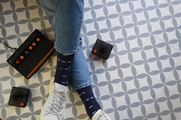 AmorSocks-calcetines-socks-marcianitos-arcade-space-invaders-atari-azul-marino-blanco-verde