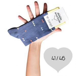 AmorSocks-calcetines-socks-colaboracion-barqet-triangulos-dogma-naranja-azul-amarillo-cuadrado-4146