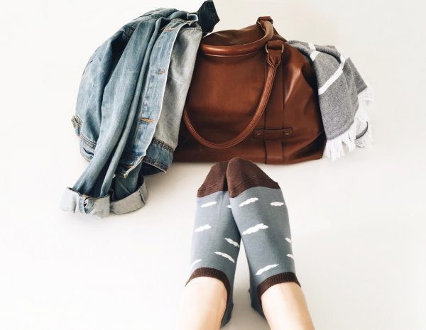 amorsocks-calcetines-tobilleros-invisibles-socks-nubes-azul-cloud-clouds-marron