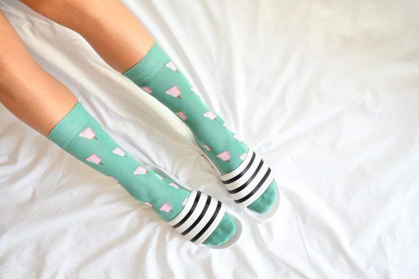 amorsocks-calcetines-socks-pie-helado-verde-agua-rosa-pies-frigopie-helado