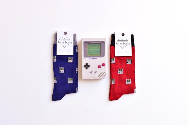 AmorSocks-calcetines-socks-video-game-game-boy-nintendo-nes-consola-retro-80s-90s-red-rojo-burdeos