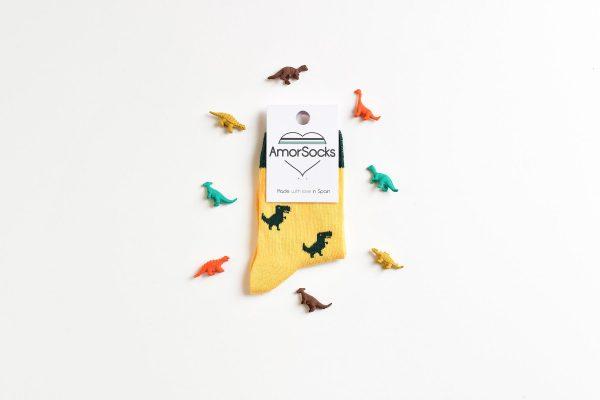 amorsocks-calcetines-socks-dinos-dinosaurios-trex-tiranoraurio-amarillo-yellow-niños-niñas-kids-cuadrada