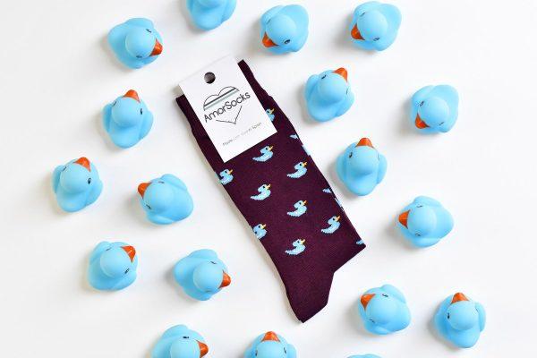 AmorSocks-calcetines-socks-patos-patitos-de-goma-ducks-rubber-ducks-burdeos-azul-blue